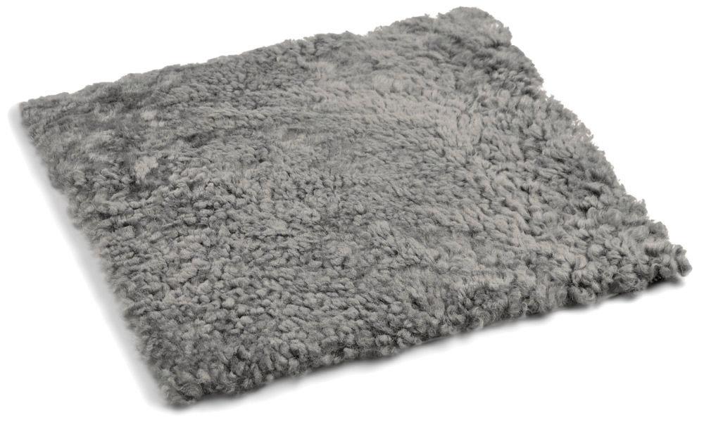Image of   Lockig fyrkantig stolsdyna i fårskinn - naturgrå
