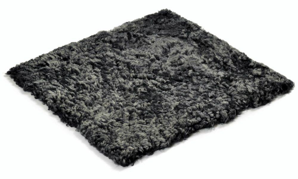 Image of   Krøllet firkantet stolehynde i fåreskind - mørkegrå